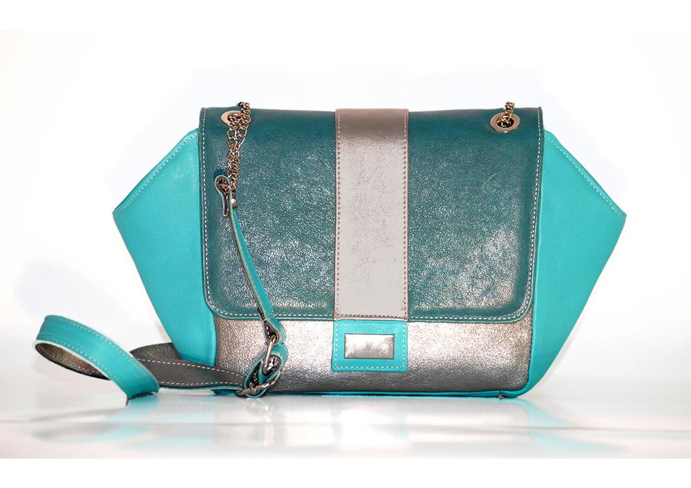 usnjena-torbica-nelizabeta-turkizno-modra-unikatna.jpg