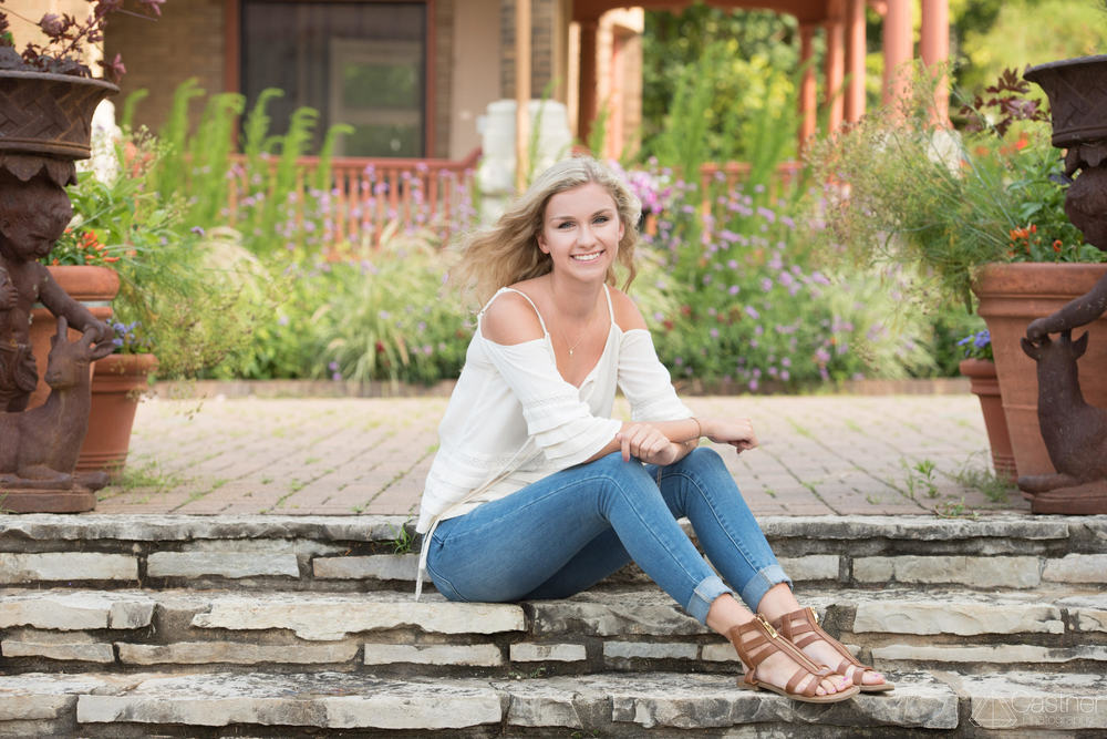 outdoor senior portraits colorado
