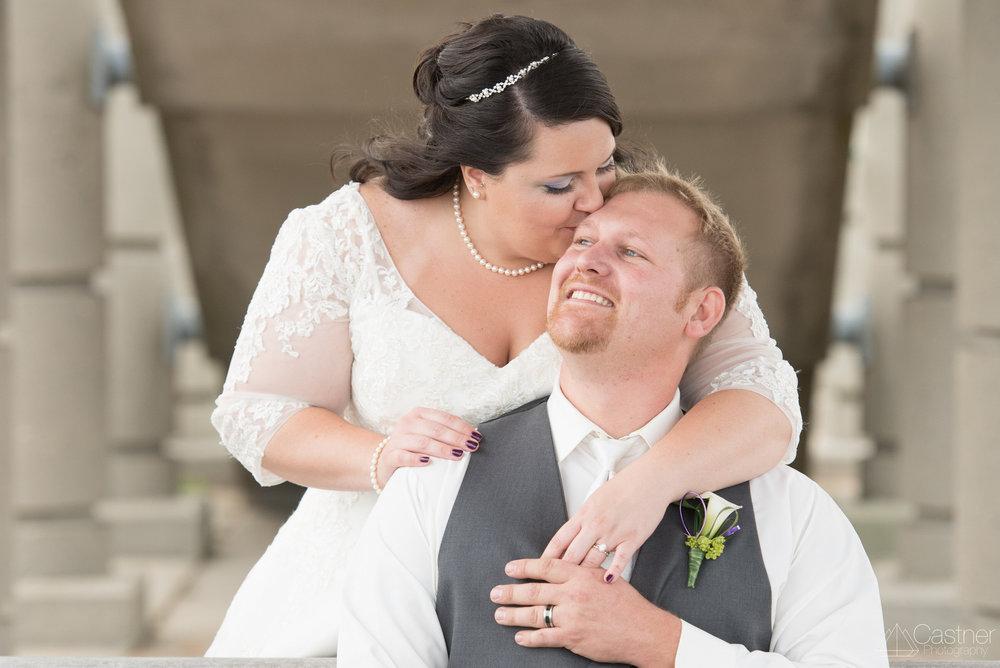 milwaukee wedding couple portraits