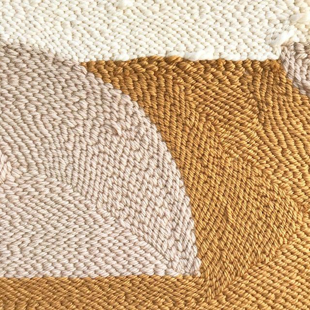 detail✨ #afternoonswimtextile . . #fiberart #textileart #slowtextiles #homeinteriors #rughooking #handmade #handwoven #wovenwallart #textiledesign #texture #woollove #bohodecor #lifestyle