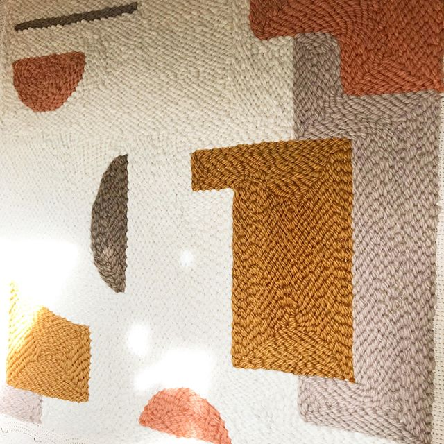 exploring new colors and patterns💛🧡 #afternoonswimtextile . . #textileart #fiberart #texture #homeinteriors #handwoven #weekendvibes #rughooking #woollove #handmade #wovenart #slowtextiles #kinfolkhome #lifestyle #weavingart #madeinbrooklyn