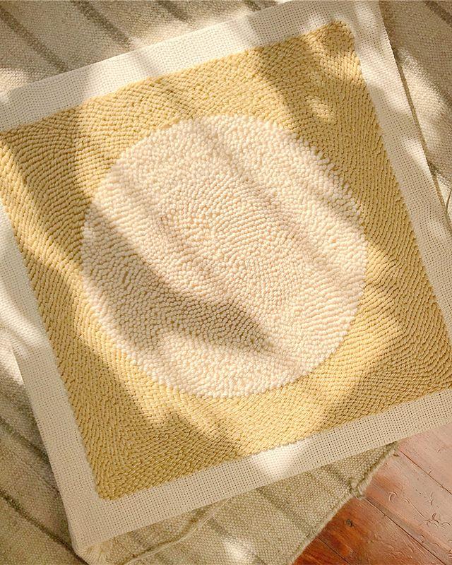 🐑💛✨ #afternoonswimtextile . . #textileart #texture #fiberart #wovenart #walltapestry #handwoven #handmade #homeinteriors #homedecor #slowliving #kinfolkhome #lifestyle #brooklynmade #textiledesign #weavingart #slowtextiles