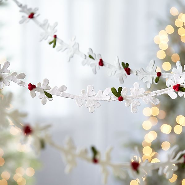 cat-winter-white-felt-mistletoe-garland.jpg