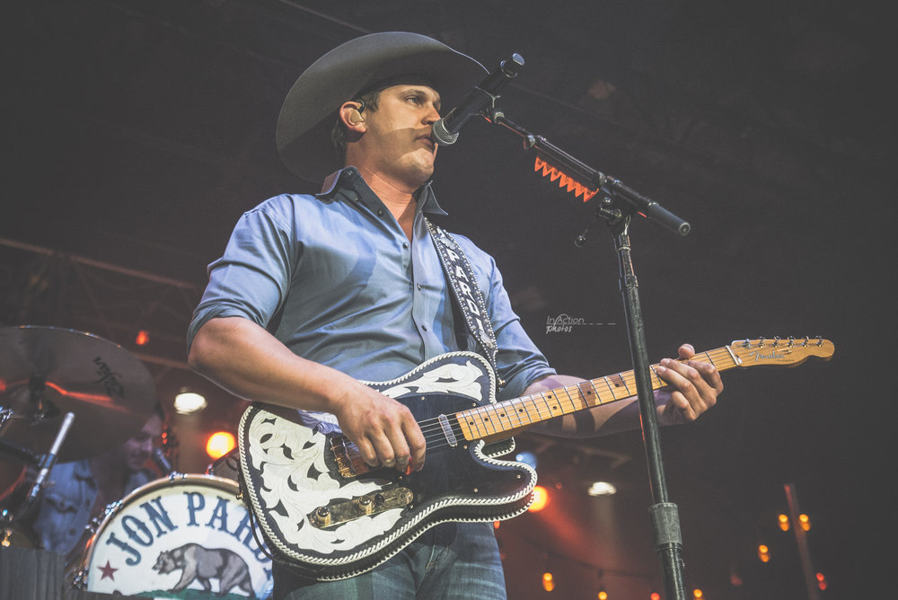 20161028_Jon Pardi_Performance_Johnson09312.jpg