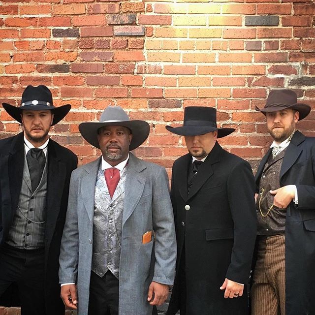 "@dariusrucker @lukebryan @jasonaldean and @charleskelley take a group group photo while filming a music video for Darius's cover of 'Drivin ' N Cryin's 1989 single ""Straight To Hell "". This is one we CAN'T WAIT to see!"