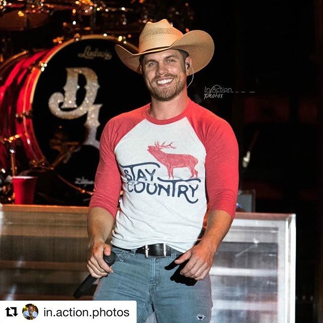 #Repost @in.action.photos  Sending a birthday shout- out to @dustinlynchmusic today! . #currentmood #staycountry #teamdustinlynch