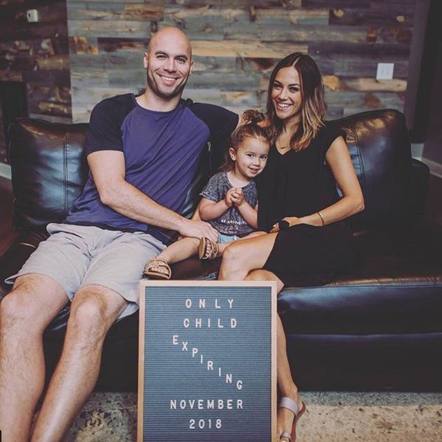 Huge congratulations to @kramergirl who is expecting her 2nd child this November! 👣
