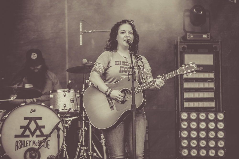 Ashley McBryde - Lakes Jam 2018