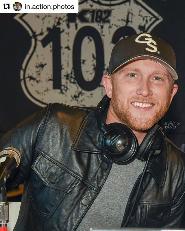 Wishing this guy a Happy 35th Birthday today!  @coleswindell // 📸: @in.action.photos