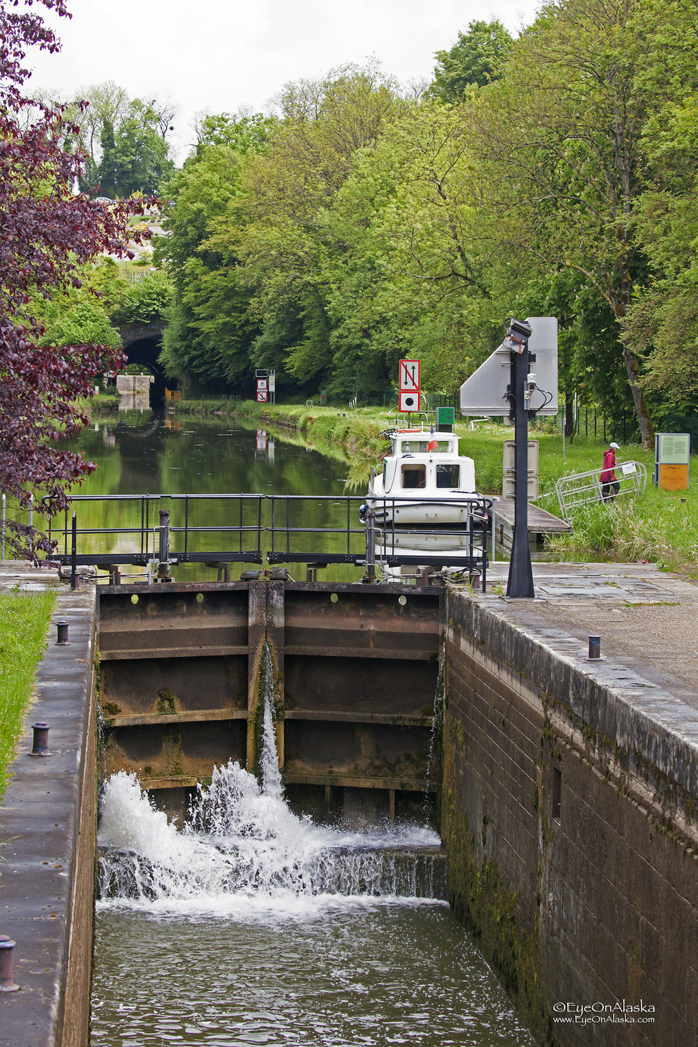 Moored just after going through this lock at Point Plaisance.  We had to wait for the lunch hour to be over before the next lock which we thought was one of the few with an honest human lock-keeper.  Sadly it has been automated like the rest of the locks.