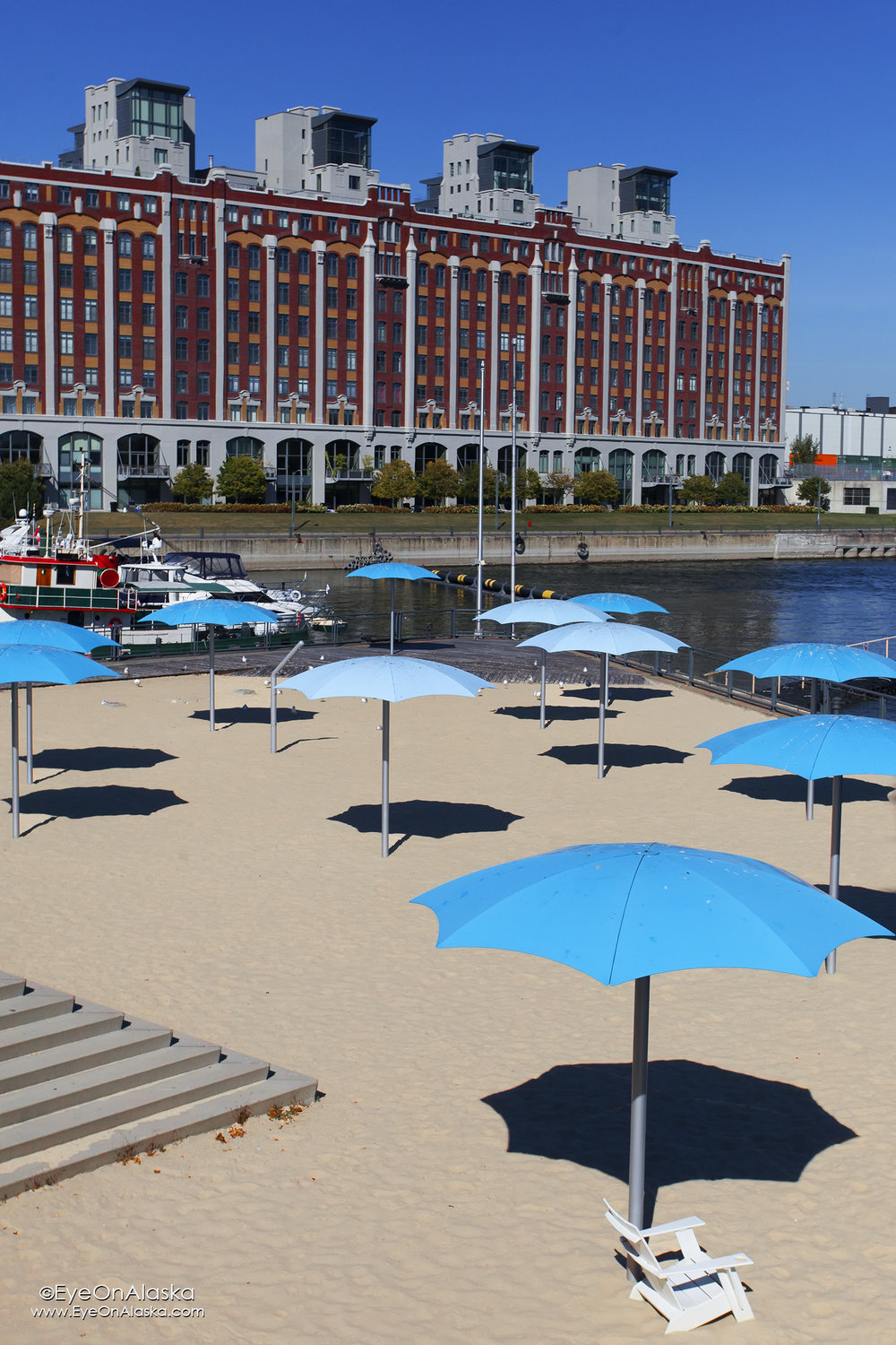 The beach in Montreal harbor ;)