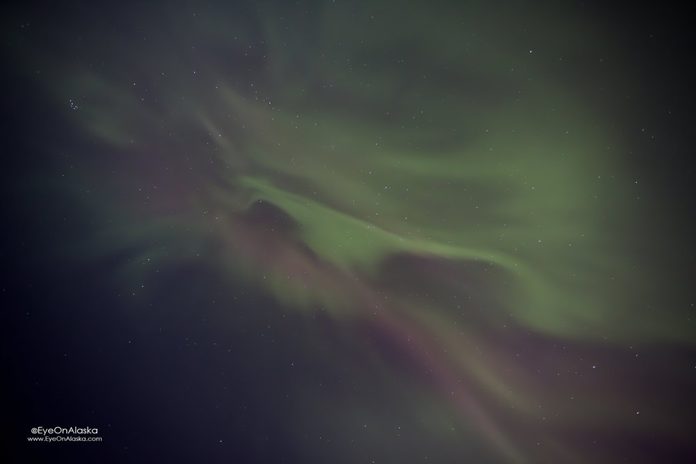 happened to look straight up and the aurora was beginning to boil. this could get good :)