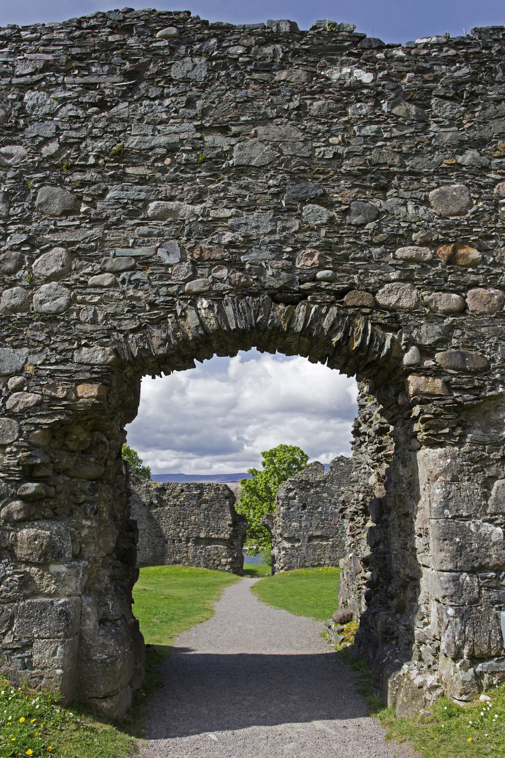 After a nice quiet night on the boat, we've mountain biked into Fort William and are exploring the old Castle ruins.