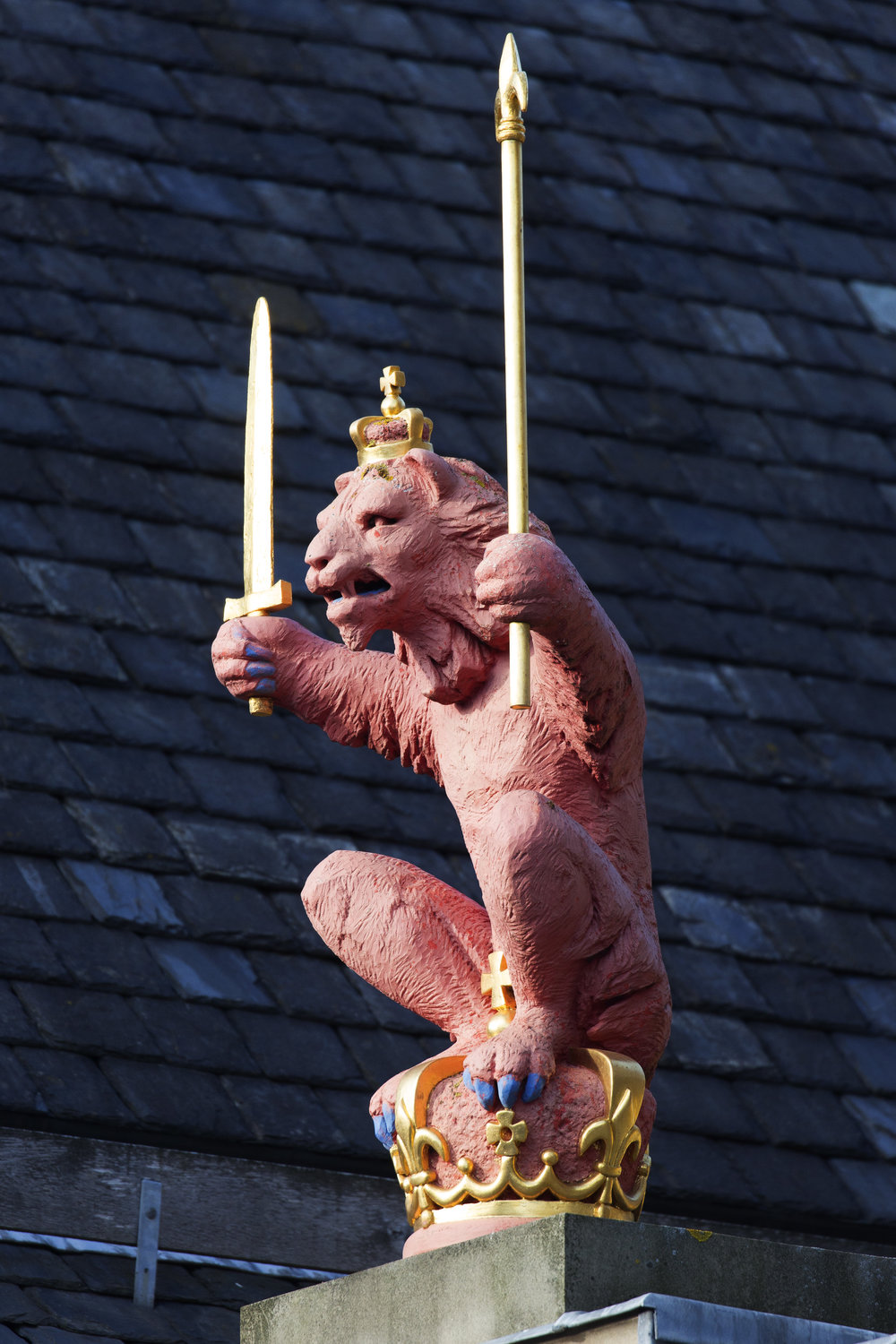 and Lion's with swords.
