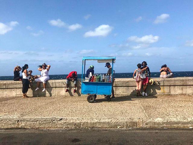 The heart and soul of Havana.. El malecón. 🇨🇺 #travelgram #travelpics #travel #cuba #malecón #lahabana #habana #havana #elmaleconhabanero
