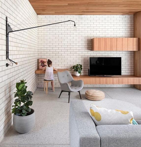 Elsternwick House 👌🏼 Architect //  @clarecousins   @oliverfduff   Photographer //  @lgrosmann   Bricks // Bowral in Chillingham White