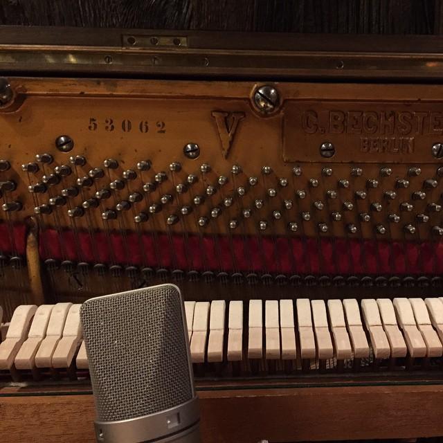 Piano & Mic