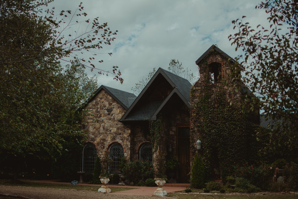 stone-chapel-at-matt-lane-farm-little-rock-wedding-photographer.jpg