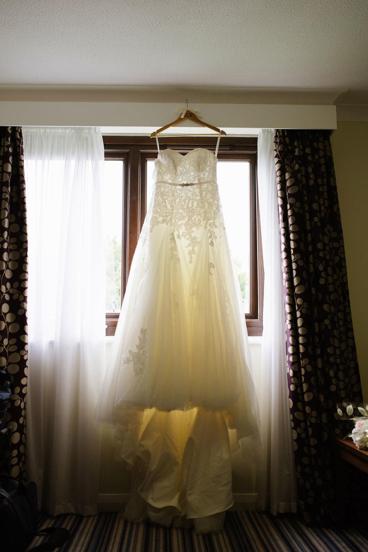 Holiday-Inn-Haydock-Wedding-Photography (4).jpg