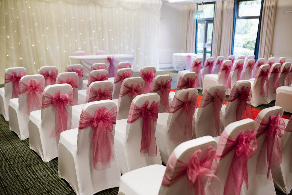 Holiday-Inn-Haydock-Wedding-Photography (22).jpg