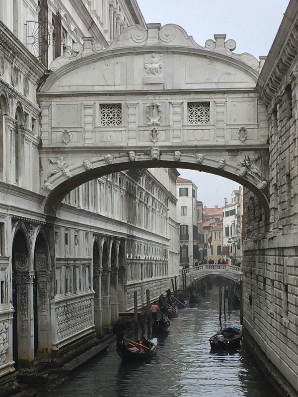 ponte-sospiri-venezia.jpg