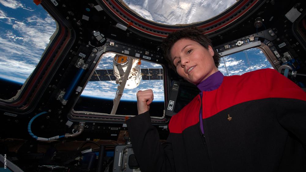 """""""C'è del caffè in quella nebulosa"""" ... ehm, volevo dire,... in quel #Dragon (capsula orbitale da trasporto)''"""