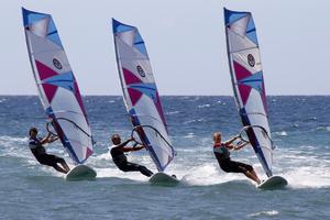 Fanatic�Boarders�Center ? Gran�Canaria�? baza windsurfingowa, lekcje, wypo?yczalnia, north windsurfing, ION ?Fanatic�Boarders�Center Gran�Canaria�jest najwi?ksz?, najlepsz?�i najd?u?ej istniej?c? szk�?k? windsurfingu na Gran�Canarii. Umiejscowiona w Bahia�Feliz�pomi?dzy s?awnym Pozo Izquierdo�a popularnym resortem turystycznym Maspalomas i Playa del Ingles, FBC Gran Canaria�znajduje si? w kompleksie Hotelu�Orquidea. ?Wypo?yczamy deski�Fanatica, ?agle�North�Windsurf�oraz oferujemy kajaki i�SUPy. ?Do�ma?ej pla?y dociera sta?y wiatr z prawej lub�lewej strony, w ?rodku zatoki mo?na znale?? ma?? falk? i niekt�re dni roku ?ami?ca si? fale. P?aski akwen jest idealny do ?wiczenia�freestylu, slalom natomiast w godzinach porannych warunki�sa�idealne dla pocz?tkuj?cych i ?rednio zaawansowanych. ?W sytuacji lepszych�warunk�w�w Pozo, Vargas,�Arinadze�czy�Burero, organizujemy wypady na inne spoty.  lekcje dla dzieci / lekcje windsurfingu / baza windsurfingowa / lekcje / hiszpania / centrum windsurfingu / wypo?yczalnia windsurfingu / akwen windsurfingowy / spoty windsurfingowe / wakacje windsurfingowe / przechowalnia sprz?tu windsurfingowego / sklep windsurfingowy / wypo?yczalnia desek windsurfingowych / ?agle windsurfingowe / kajaki / lekcje kitesurfingu / wypo?yczalnia kitesurfingu / surfowanie / fala / p?aska woda / sprz?t windsurfingowy / szkolenia windsurfingowe / kursy windsurfingu / obozy windsurfingowe / deski windsurfingowe / sport / zajecia sportowe / sporty wodne / wakacje rodzinne / aktywne wakacje / pla?a
