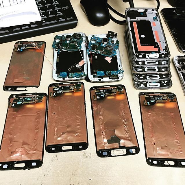 Two galaxy s4 and fife galaxy s5 in 2 hours repaired #repairinstitute