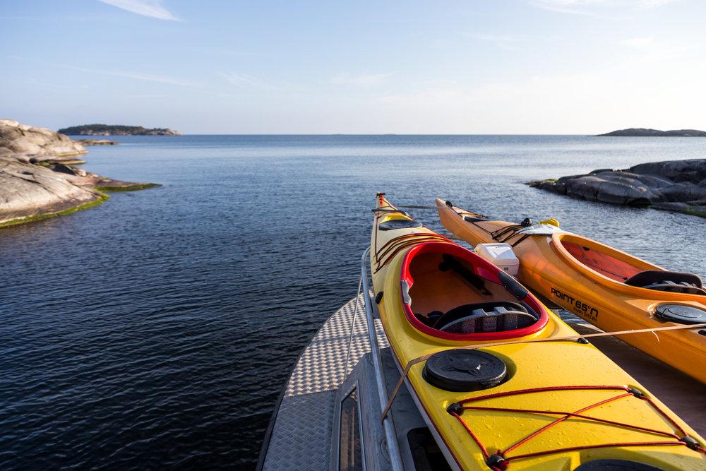Kayak varen op een van de vele meren