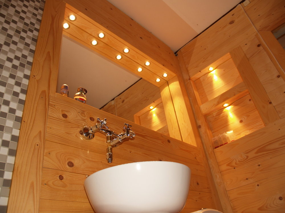 NordicLife interior - sauna style bathroom