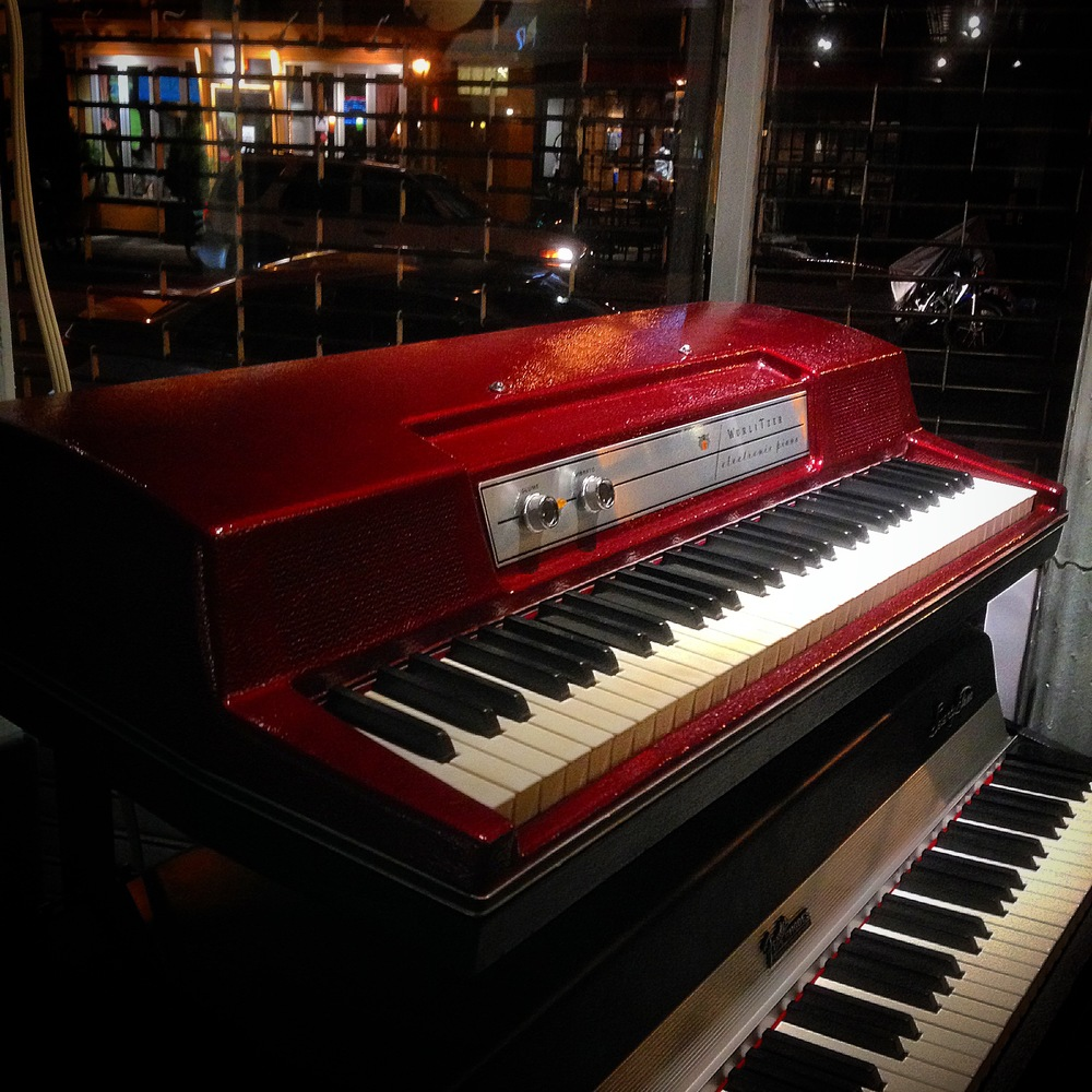 Wurlitzer: Custom fire red