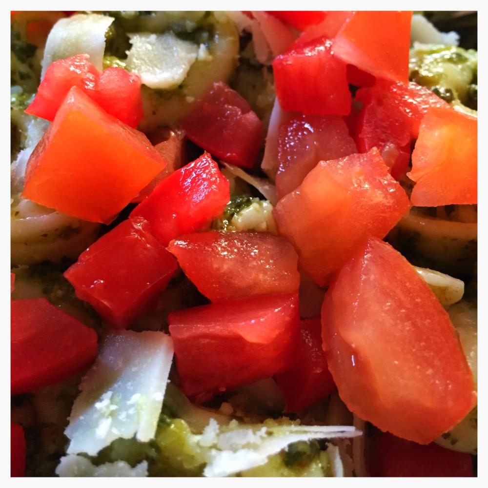 Pesto Tortellini & Tomatoes