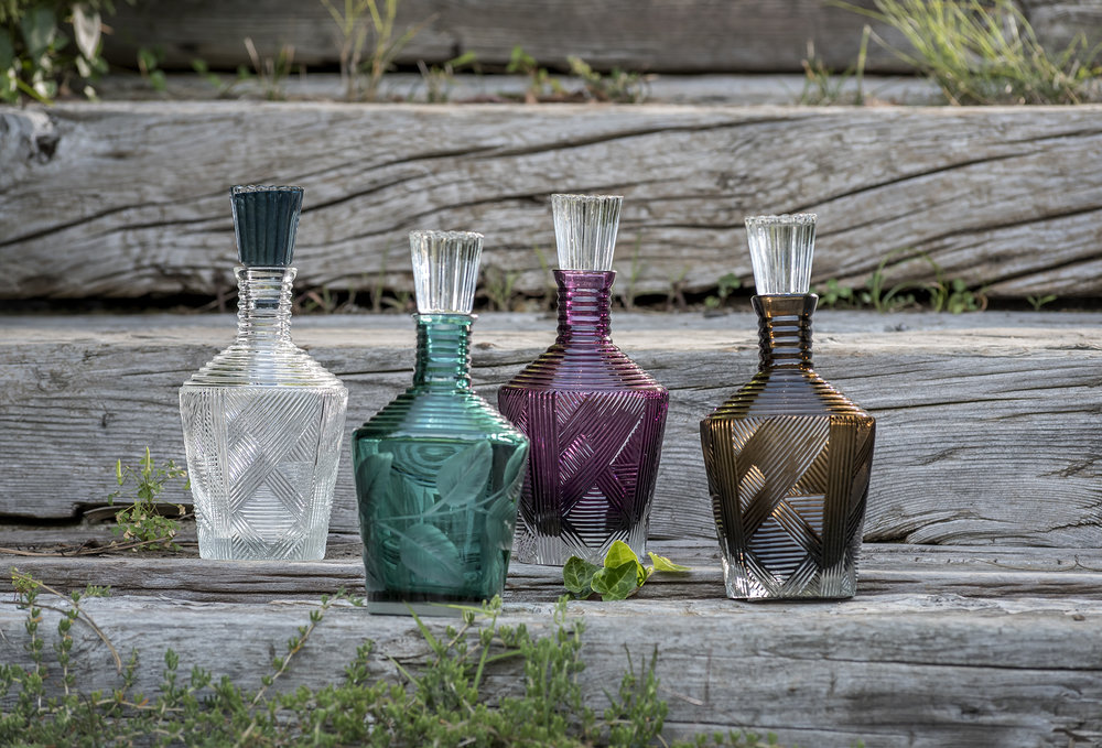 Carafes in clear, tourmaline amethyst and smokey