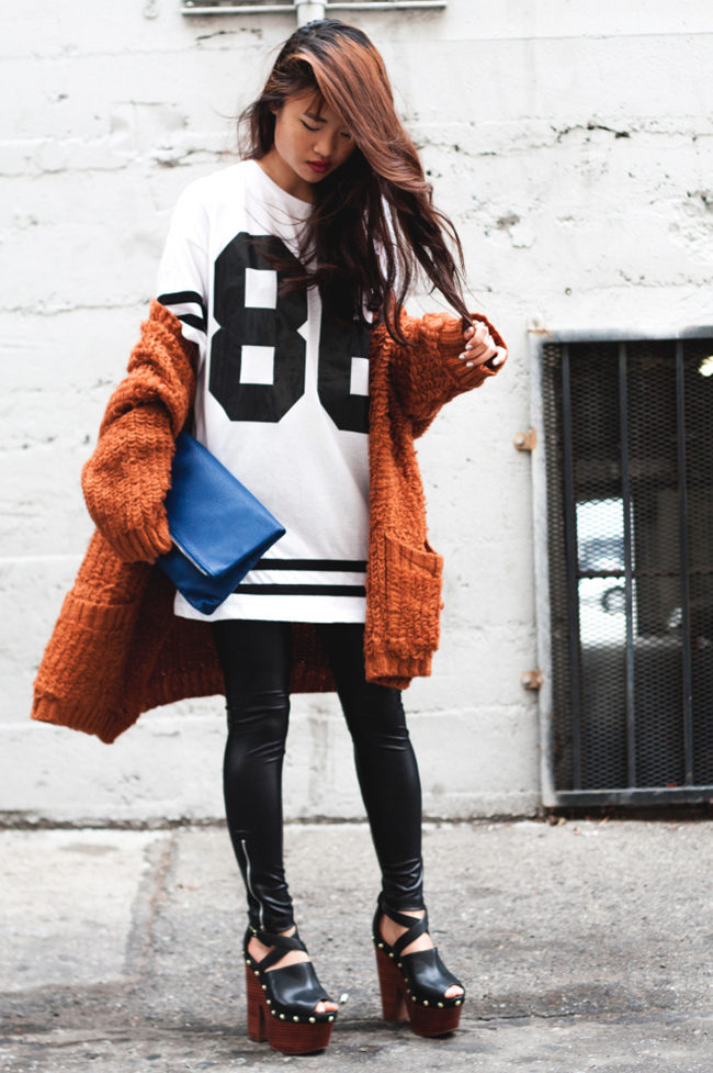 what-do-i-wear: DailyLook Oversized Cardigan + Fold Over Clutch | Topshop Number 86 Tee + Sell Out Platforms (image: lavagabonddame)
