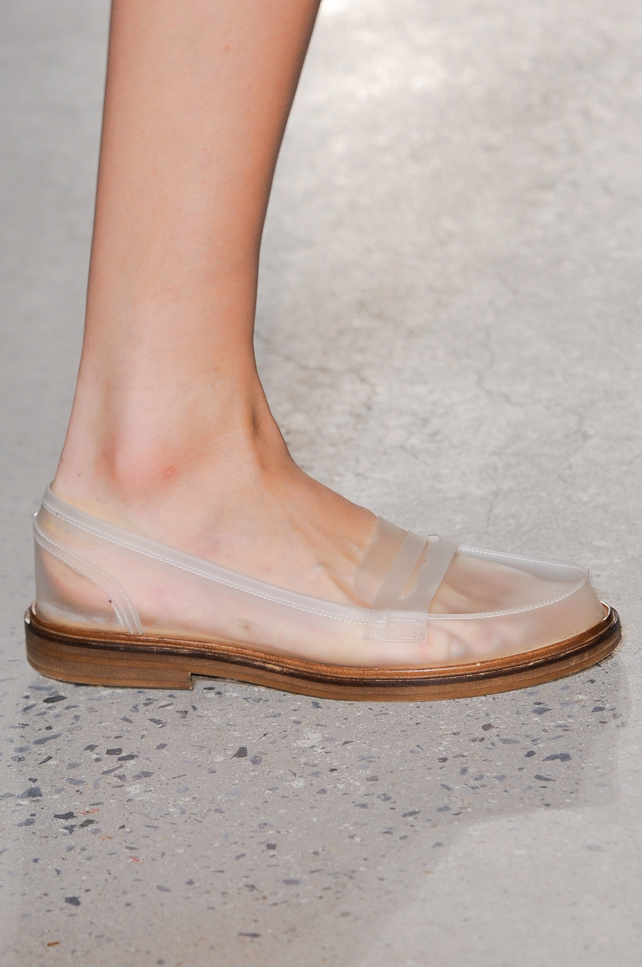 Dear, universe … give us free … and by free we mean free pair. <3    mariacarlanaked :     mm6 by maison martin margiela, spring 2014