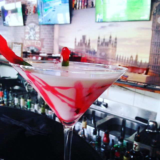 Isn't it spooky that it's the weekend already?! Come check out our awesome drink special, the Vampire Cocktail! Mixologist Adrie serves up cherry vodka, creme de coco and half and half...and it tastes delicious! #unitedalehouse#fortmyers#naples#portcharlotte#tourism#floridalife#napleslife#naplesbeach #southwestflorida#capecoral#fortmyersbeach#sanibelisland#captivaisland#bonitasprings#estero#fsw#floridalivingdowntownriverdistrict#downtownfortmyers# #capecoral#thingstodofortmyers#pubgrug#brunchcapecoral#brunchestero#brunchnorthfortmyers#downtownpub#cocktails#happyhour#queensguard
