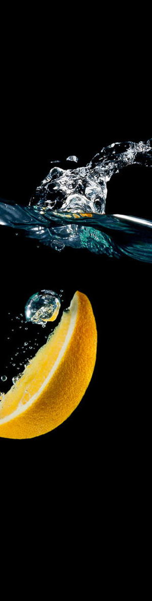 lemon splashing in water and gallery of splash photographs