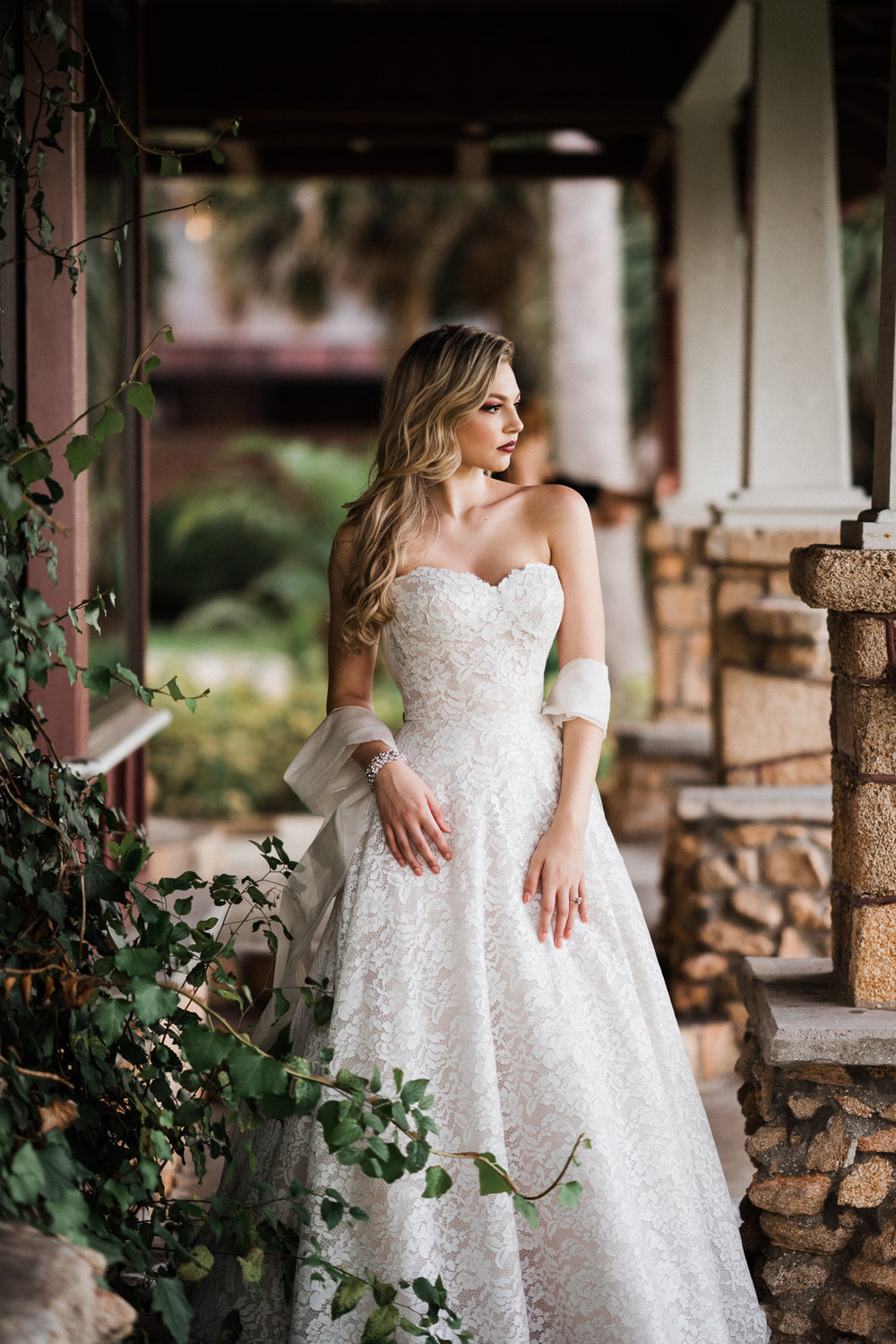 SolutionsBridal_Lookbook_EstateAtTheHellifax-169.jpg