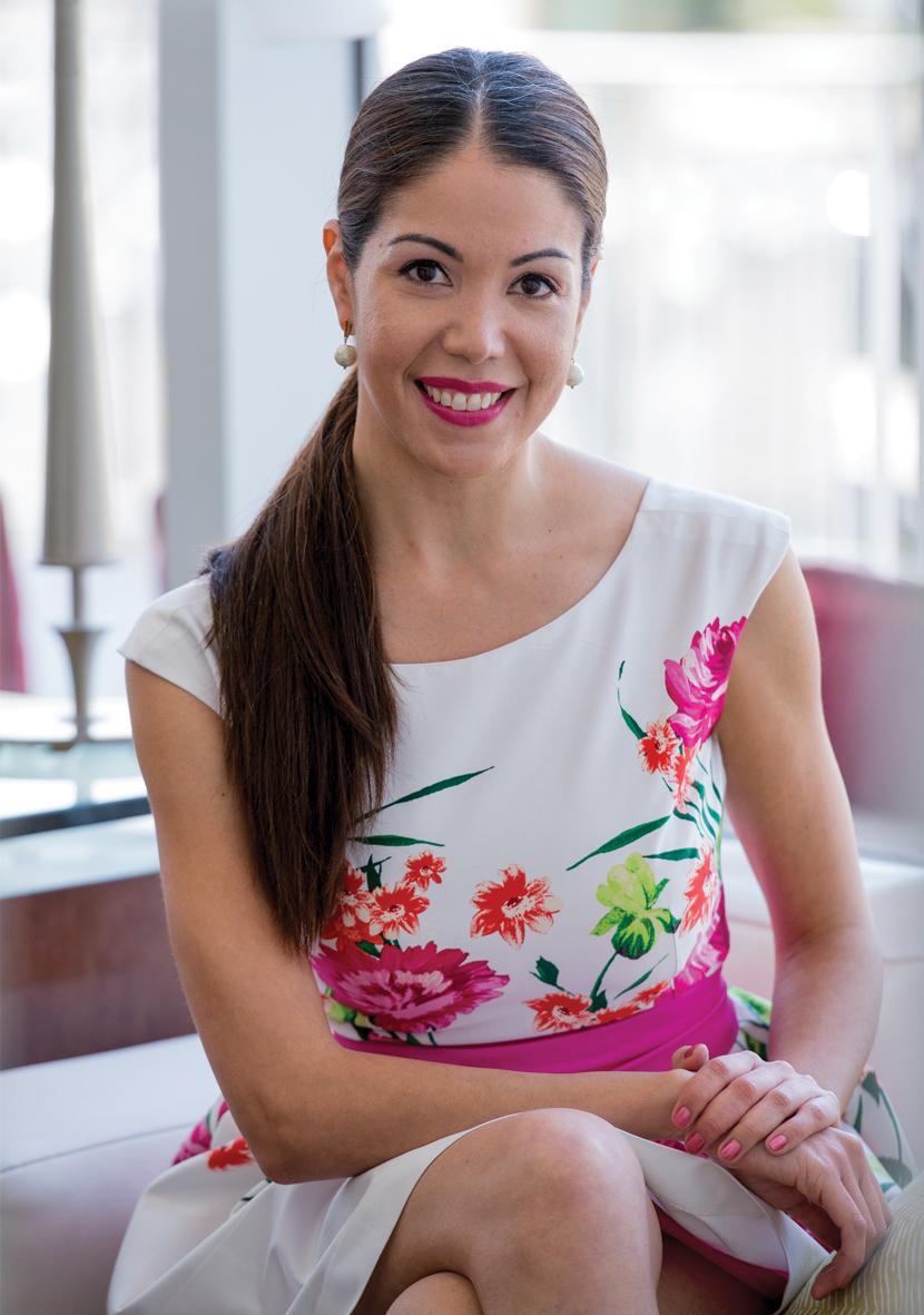 VICKY LUJÁN                                            Experta en Bodas y Comunicaciones / Editora dBODA Novias  Certified Wedding & Event Planner                             Fotografía: Maria Baiz