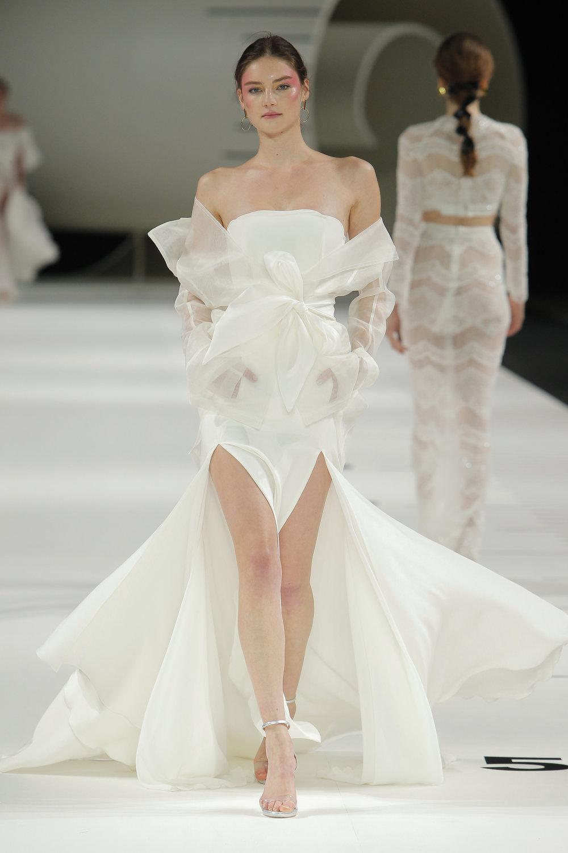 YolanCris - Barcelona Bridal Fashion Week