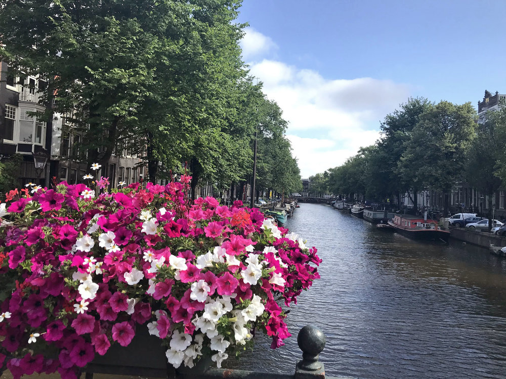 flowers_amterdam_bridge