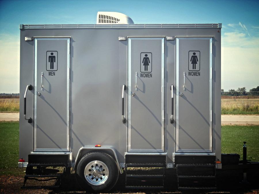 Royal-3-Single-Toilet-Suites-Portable-Restroom-Trailers