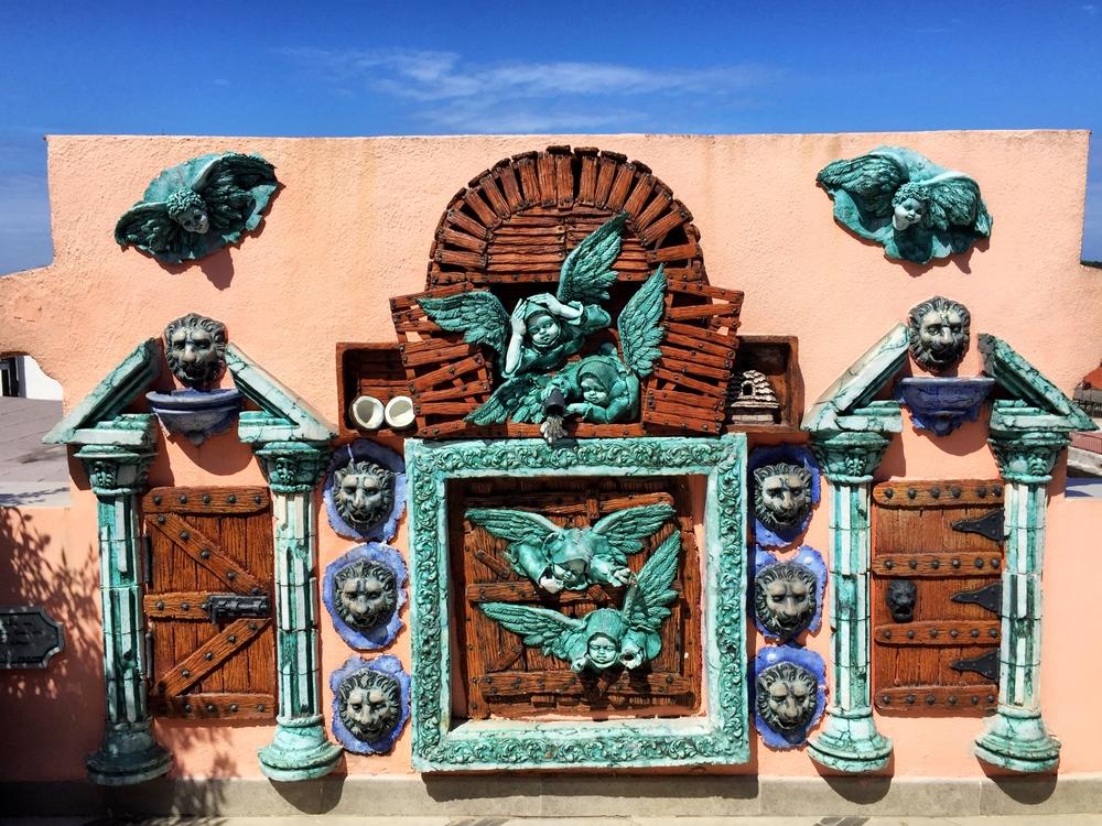 Krásna stena v Ambos Mundos, hotel kde Hemingway žil 7 rokov
