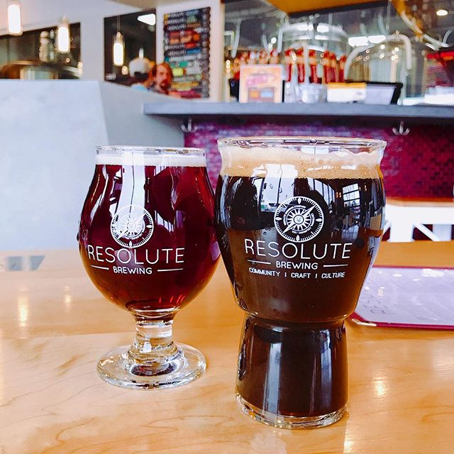Hung out at one of our new favorites @resolutebrewingco trying some stouts, sours and a quad.🍻 . . . . . #Colorado #Denver #Foodie #Foodies #FoodBlogger #CraftBeer #🍻#ResoluteBrewing