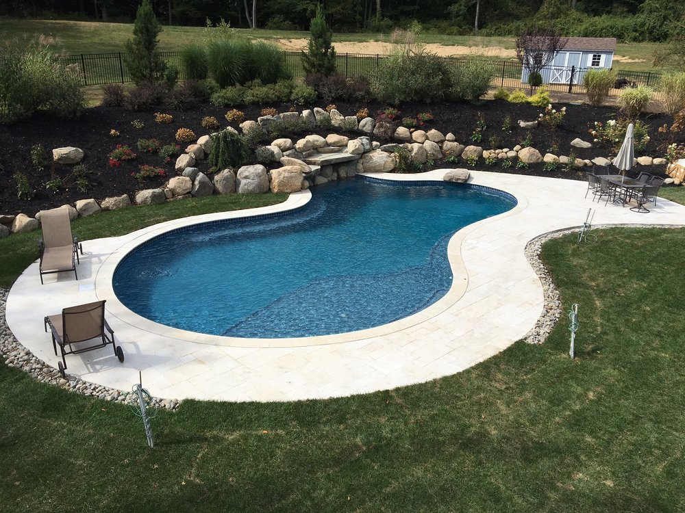 Distinctive-Design-Manage_Pool-design.jpg