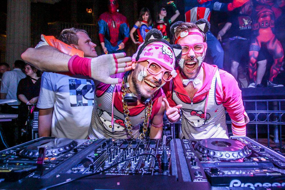 Mütze Katze DJ Team.jpg