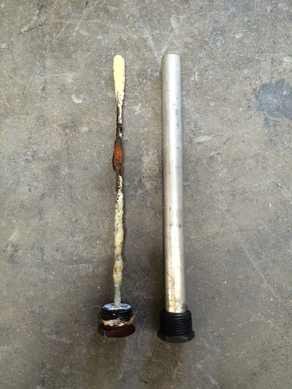 Anode rod 1 year old -vs- new one