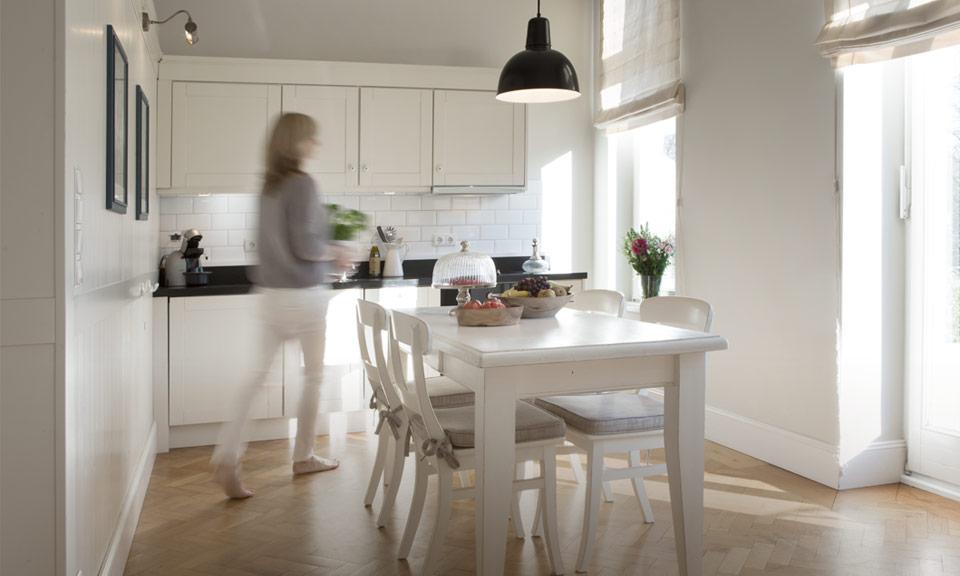 Heller und großzügiger Koch- und Essbereich – ideal für ein gemütliches Essen