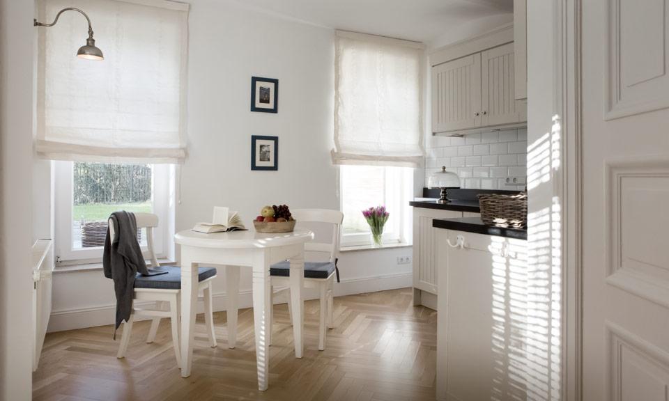Zwei Küchen mit viel Platz zum Kochen mit der Familie oder mit Freunden
