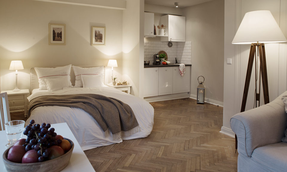 Relax in a 160 cm wide luxury bed in the Little One+ apartment of our boutique hotel
